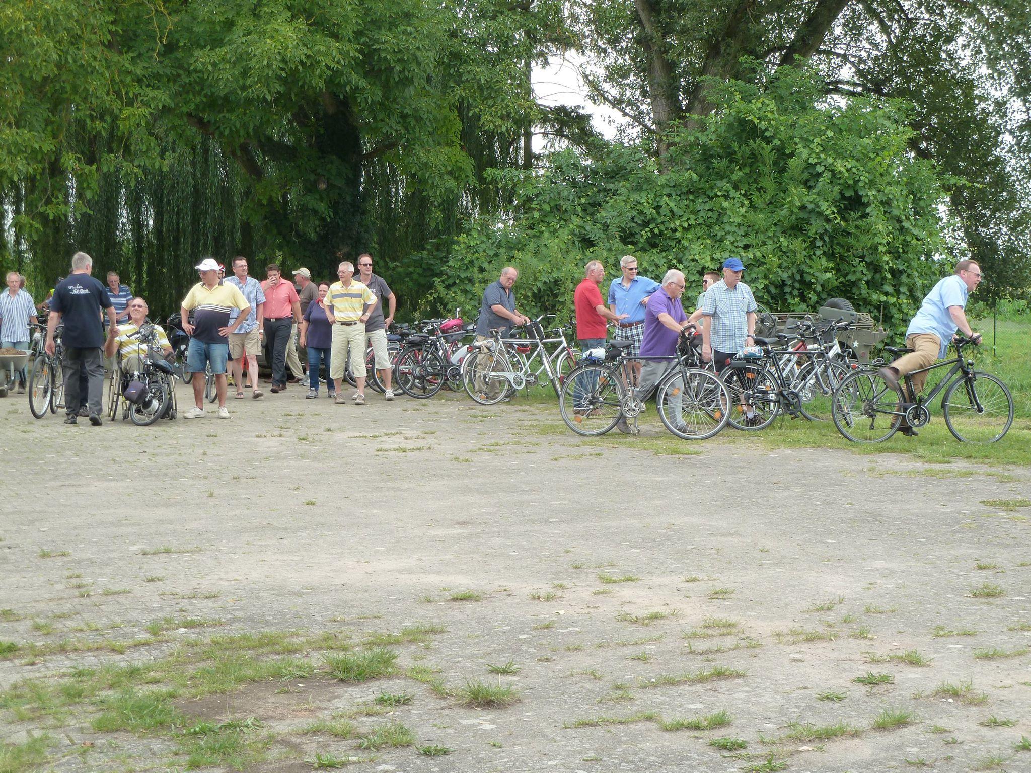 Zahlreiche Besucher auf der Wersau