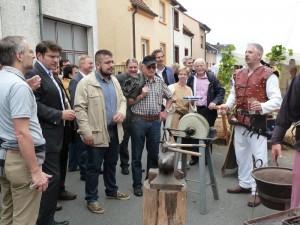 Dirk Müller auf dem Stand der Burg Wersau beim Reilinger Straßenfest 2014